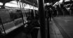 Encuentran cadáver de un joven en el Metro de Nueva York y a un pasajero herido en los rieles.