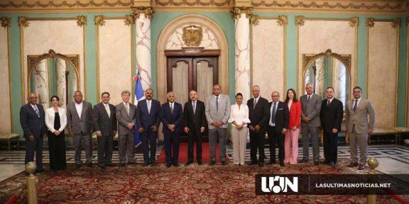 Danilo Medina con Los Agroempresarios