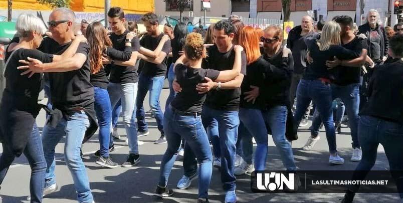 Mil personas bailan bachata en localidad española y baten el récord Guinness