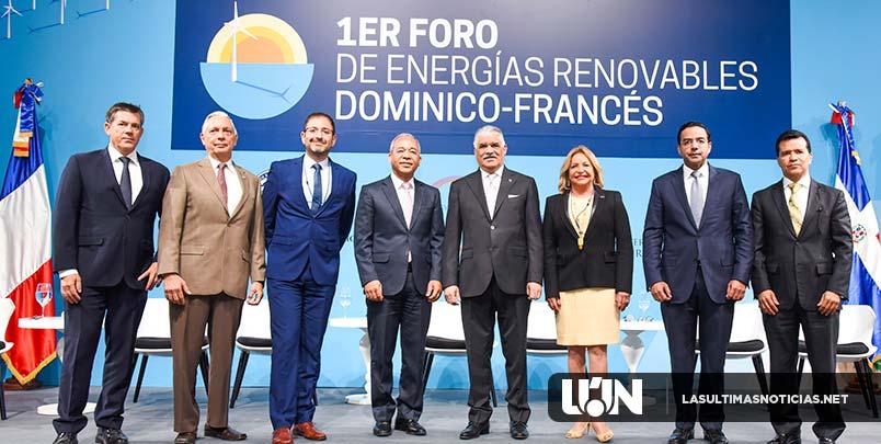 Canciller Miguel Vargas expone sobre el favorable clima de inversión en energías renovables
