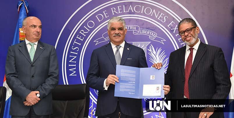 Canciller Miguel Vargas preside emisión postal conmemorativa 30 años de relaciones RD-UE