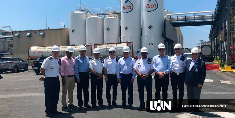 Cuerpo de Bomberos de Santo Domingo visita Grupo Rica para jornadas empresariales de seguridad