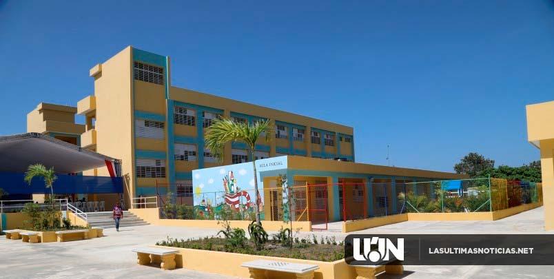 Danilo Medina entrega escuela en El Mamey de Villa Mella