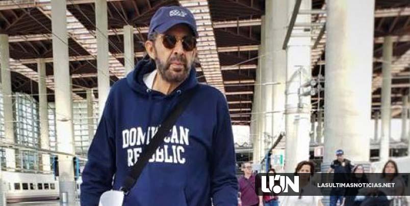 El patriótico y juvenil look de Juan Luis Guerra para iniciar gira en España