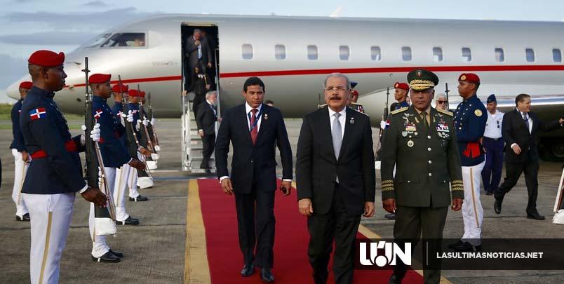 Presidente Medina regresa al país, tras participar en actos toma posesión nuevo presidente de El Salvador