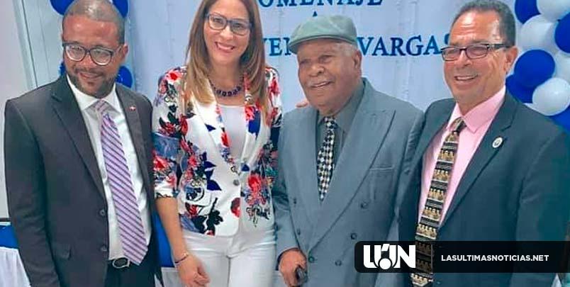 Homenaje a Bienvenido Vargas en la Seccional de Puerto Rico.