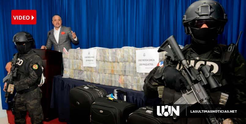 DNCD ocupa 444 paquetes presumiblemente cocaína y arsenal de armas en provincia el Seibo