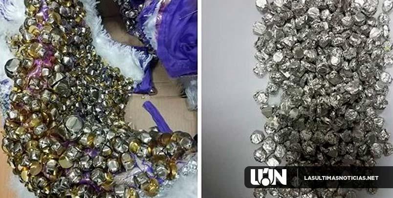DNCD decomisa cascabeles de traje de carnaval con cientos de pastillas de éxtasis