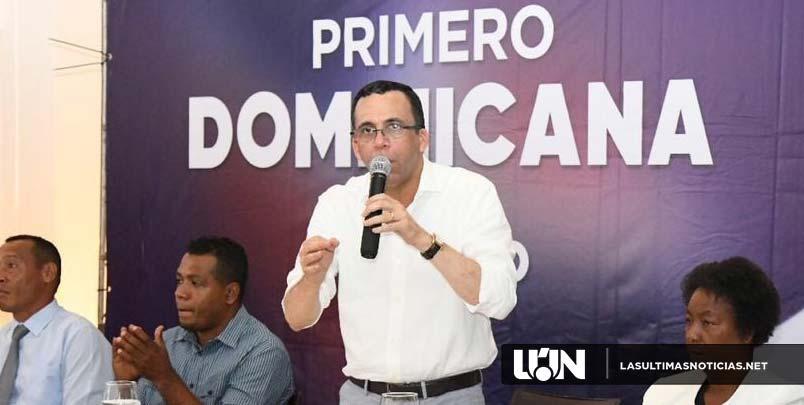 Andrés Navarro juramenta y recibe apoyo del movimiento Futuro Claro con Navarro