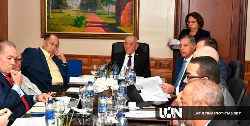 Presupuesto para elecciones supera a 15 ministerios; casi cuadruplica el Infotep