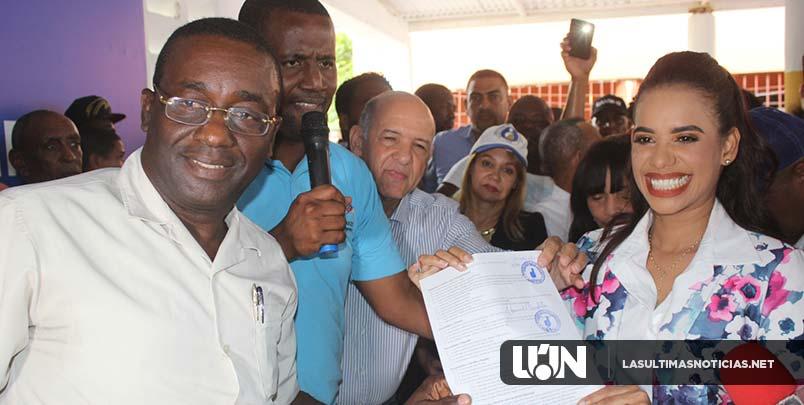 Betty Gerónimo inscribe precandidatura a Diputada en el PRM por SDN
