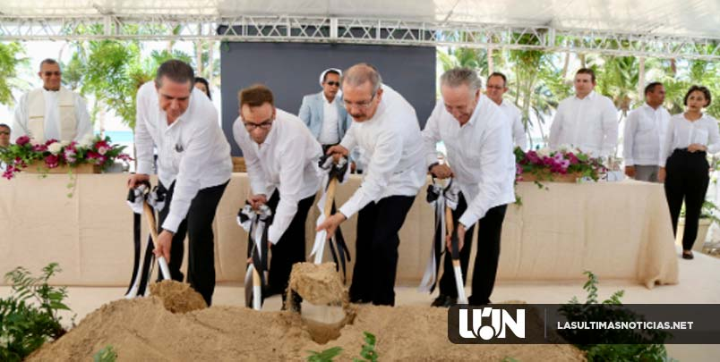 Danilo participa en primer palazo construcción Hotel Pure Salt Orchidarium en Uvero Alto