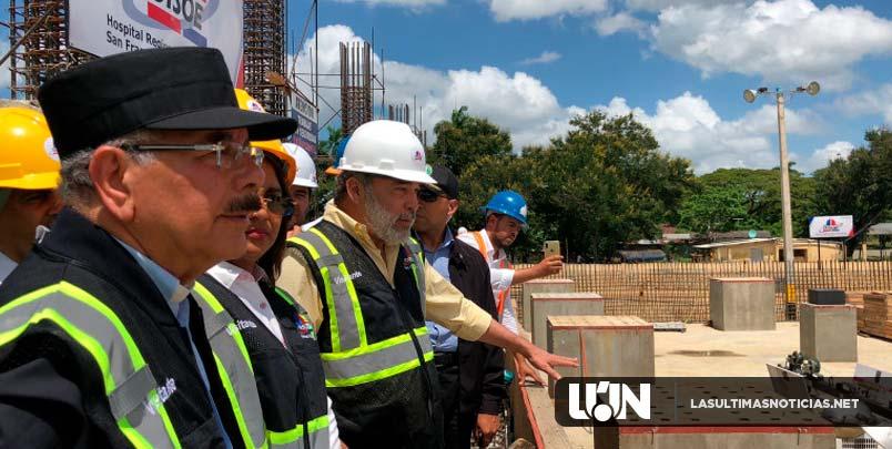 Danilo Medina constata buena marcha construcción Hospital Regional San Vicente de Paúl