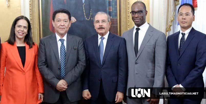 En el marco de 60 aniversario de American Honda Motor Company y Agencia Bella en RD, presidente Danilo Medina recibe a ejecutivos