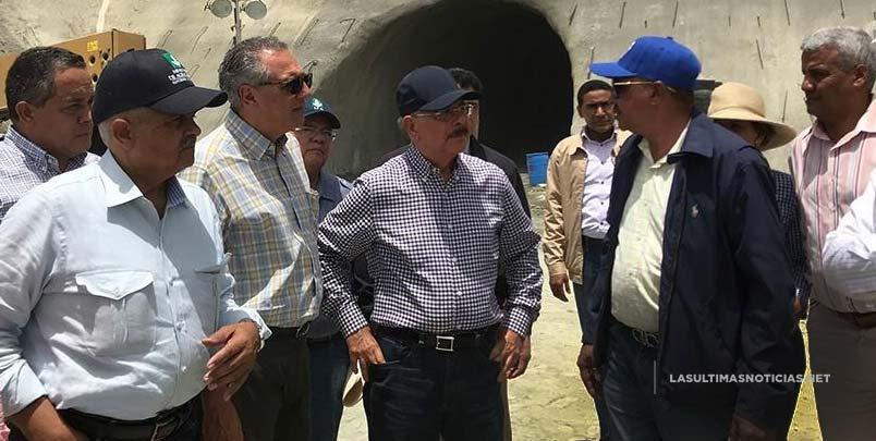 Danilo Medina dará la apertura  hoy a los túneles de la Presa de Monte Grande y primer picazo a proyecto habitacional