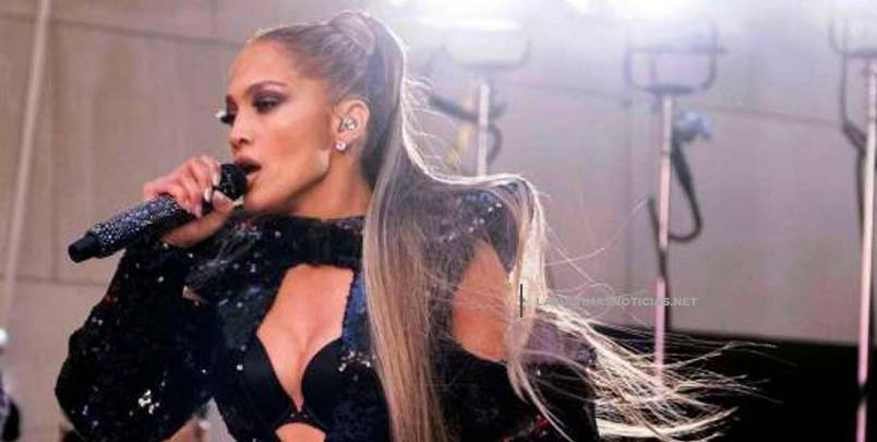 Demandan a Jennifer López por actuar con poca ropa en Egipto