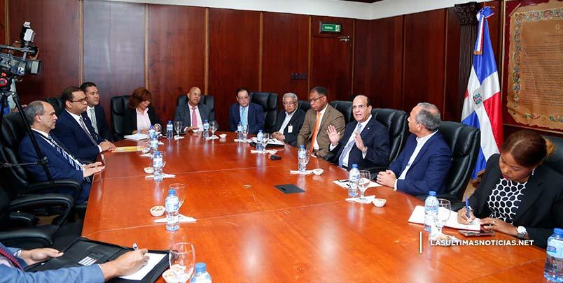 JCE y CDEEE realizan coordinaciones para Primarias Simultáneas;  CDEEE garantizará energía eléctrica en recintos electorales
