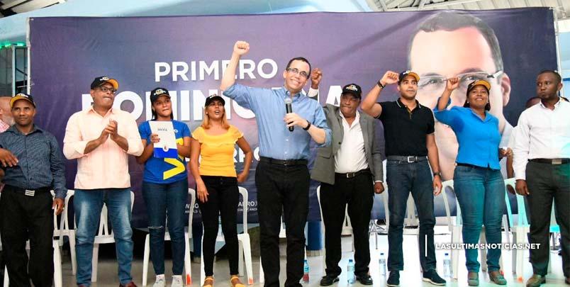 Andrés Navarro ofrecerá mayor apoyo a la mujer dominicana para garantizar su desarrollo