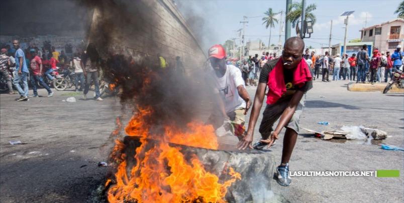 Puerto Príncipe se paraliza en jornada de protestas por la falta de gasolina