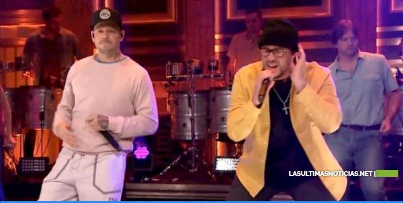 "Residente y Bad Bunny cantan ""Bellacoso"" en ""The Tonight Show with Jimmy Fallon"""