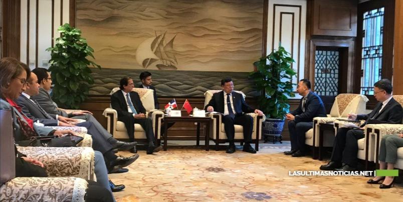 Gobierno y universidades chinas apoyarán programa República Digital