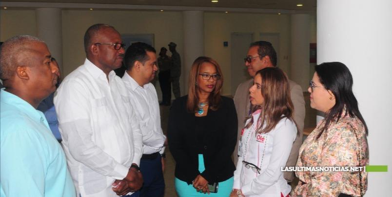 ASDE y la empresa Hipermercados Olé realizan con éxito feria de empleos