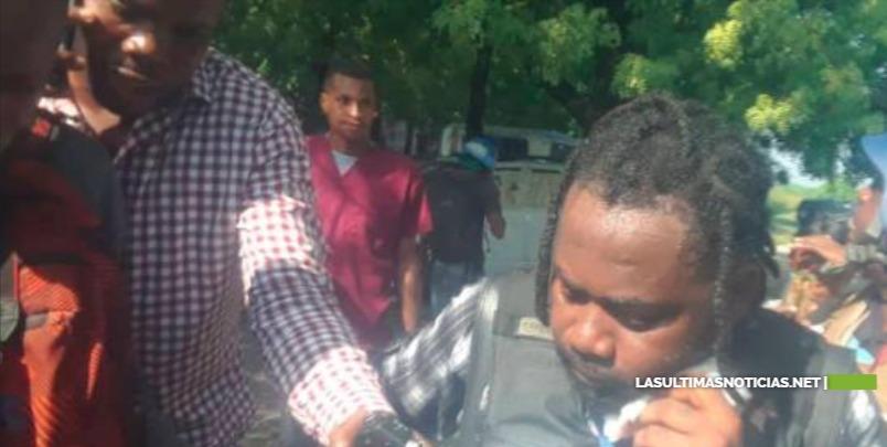 Hieren a dos periodistas y un empleado del parlamento  en una balacera en Haití