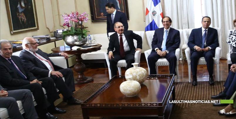 Danilo Medina y EDUCA, plan de acción para fortalecer la educación.
