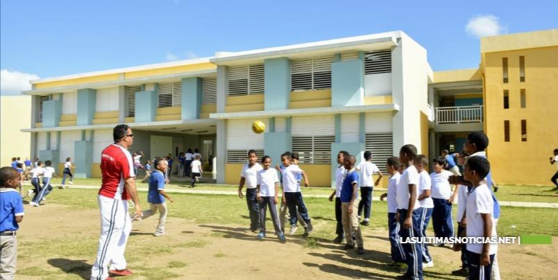 Nuevo ciclo escolar en centros de Ciudad Juan Bosch aumenta 52% estudiantes inscritos