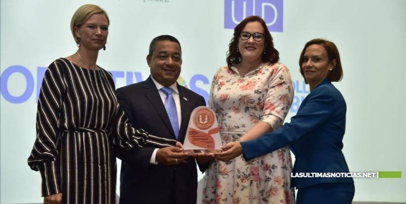 MMujer y PNUD entregan sello de igualdad de género en el sector público a cuatro instituciones estatales