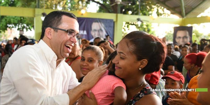 Cientos de mujeres de SDE apoyan proyecto presidencial de Andrés Navarro
