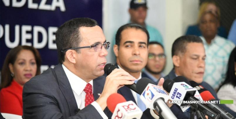 Andrés Navarro acoge resultados de encuestas y se incorpora junto a toda su estructura política por el triunfo de Gonzálo Castillo