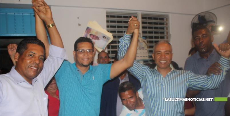 Francisco Fernández recibe respaldo de Argelis Lebrón y su equipo político en SDN