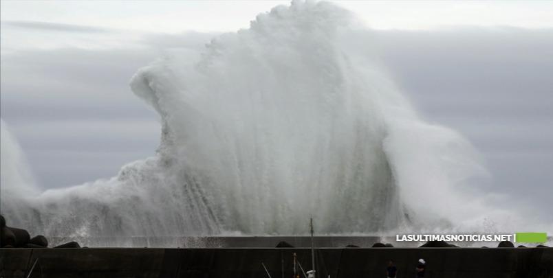 """Vuelos cancelados, apagones y masivas evacuaciones: el """"extremadamente potente"""" tifón Hagibis azota Japón"""