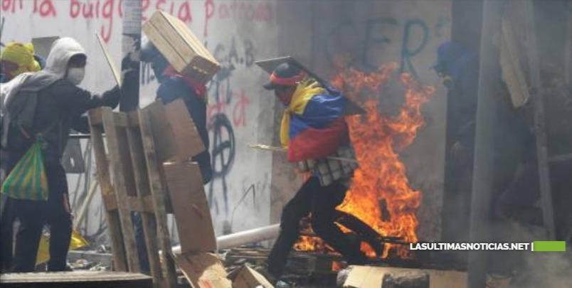 Ecuador: Presidente deroga decreto con medidas económicas