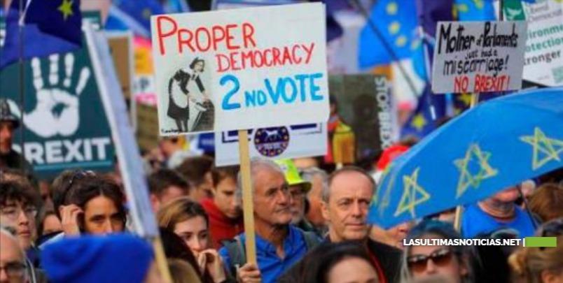 """Se inician las protestas en Londres para pedir un segundo referéndum del """"brexit"""""""