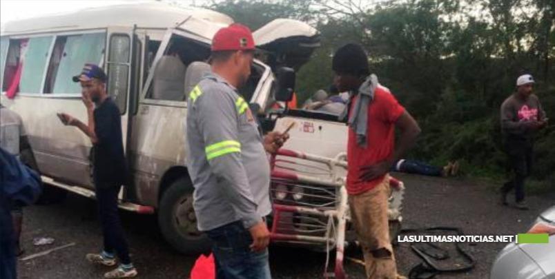Accidente en carretera Montecristi-Dajabón deja dos muertos y varios heridos