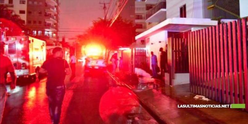 Explosión en una torre en construcción en el sector Evaristo Morales deja dos muertos y cuatro heridos