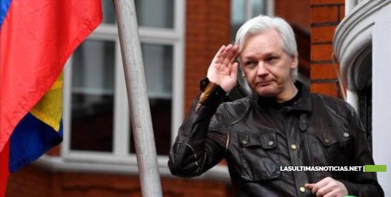 Defensa de Julian Assange dice que su ordenador en la cárcel no es apto para su caso