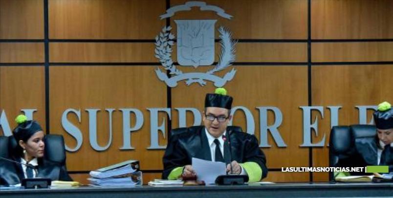 TSE establece que Leonel Fernandez puede ser candidato