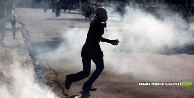 Al menos un muerto y varios heridos en protestas para exigir salida de Moise en Haití