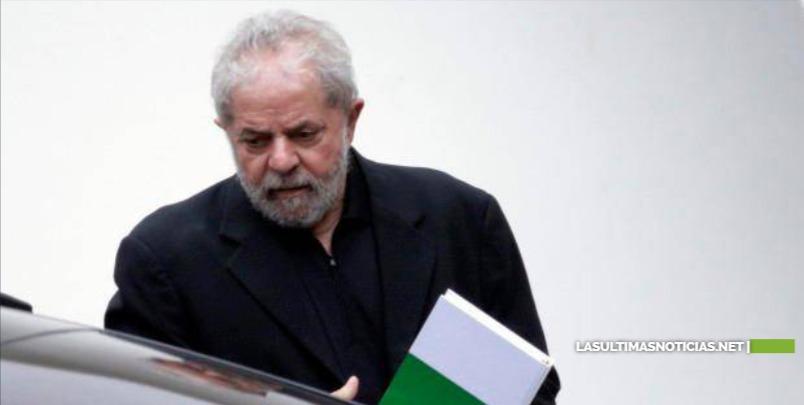 Lula confía en probar su inocencia, pero pone en duda candidatura para 2022