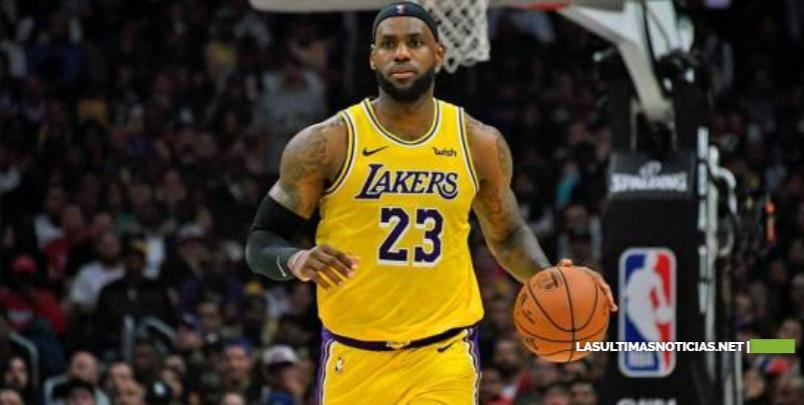 LeBron James se convierte en el cuarto jugador en anotar 33,000 puntos