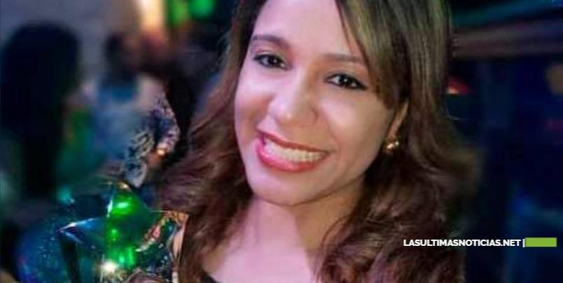 """Periodista Karolina Martínez galardonada """"periodista del año"""" en Nueva York"""