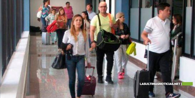 Venezolanos piden al gobierno dominicano suspender aplicación de visa