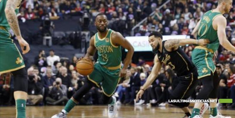 Con 30 puntos de Jaylen Brown, los Celtics superan a los Raptors