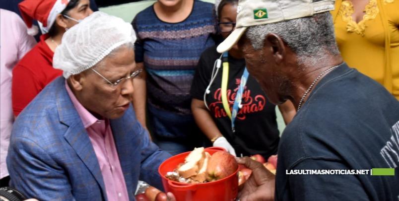 Comedores Económicos ofrecen almuerzo navideño gratuito