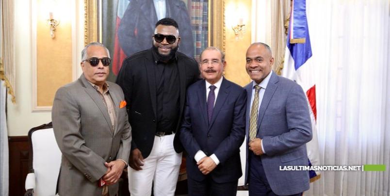 David Ortiz visita a Danilo Medina con motivo de Navidad y Año Nuevo