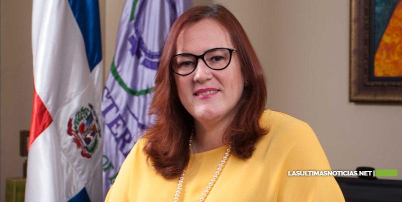 Ministra Janet Camilo exhorta unas fiestas navideñas en las que prevalezca la paz