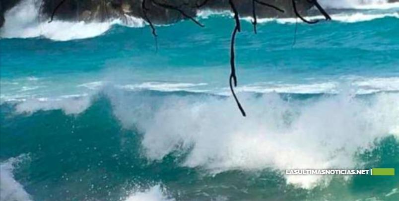 Prohíben acceso a playas de Puerto Plata por alto oleaje